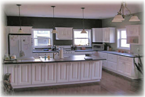 cabinet-styles, LED-vs-fluorescent-lighting, kitchen-remodeling-trends, kitchen-sinks, kitchen-faucets
